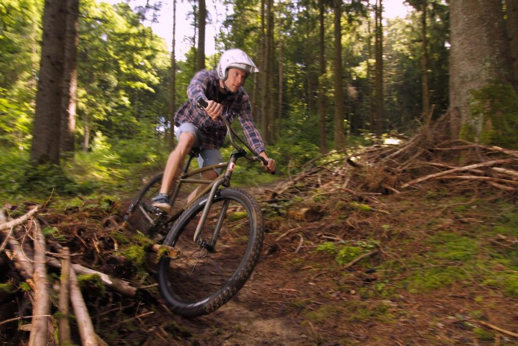 Leafcycles Klunker Offroad Action