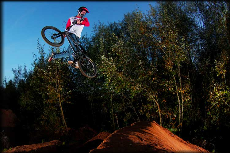 Frabnk Heinrich doing a NacNac on his bmx