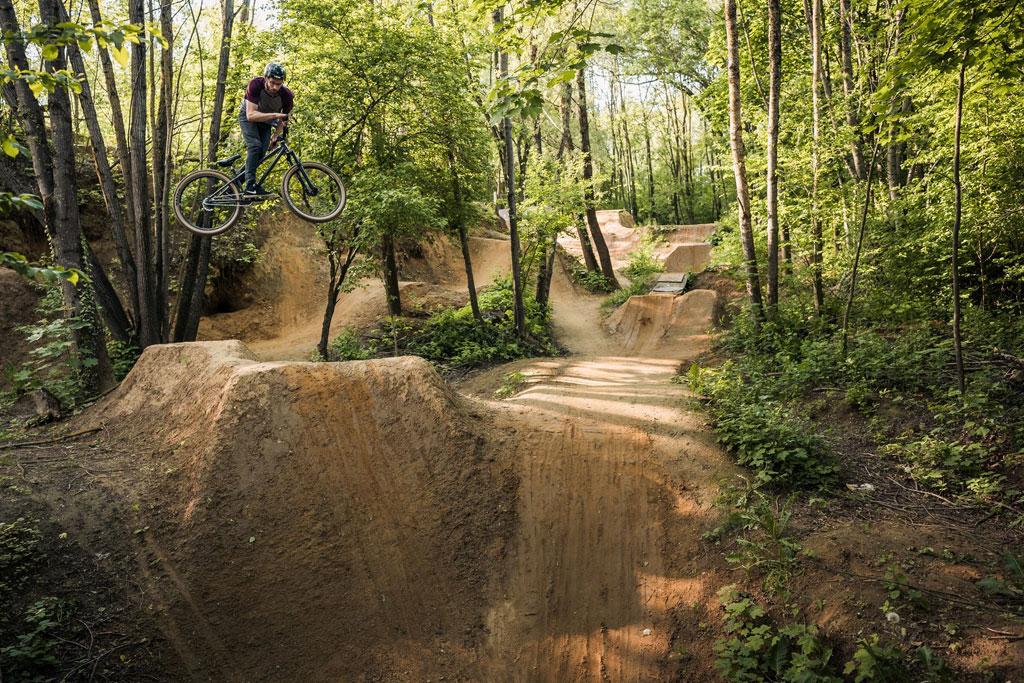 Oscar Tepelmann riding the trails in Augsburg